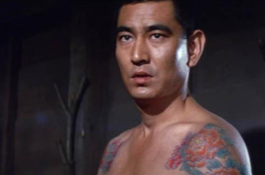 j.yakuza04.karasisi.jpg